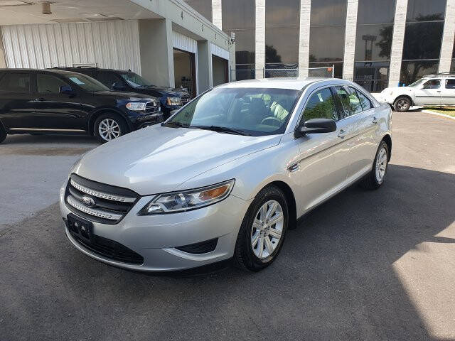 2011 Ford Taurus SE FWD 6-Speed Automatic