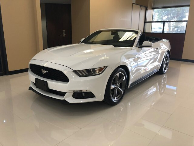 2015 Ford Mustang V6 Convertible 6-Speed Automatic