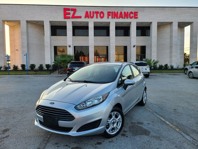 2015 Ford Fiesta SE Hatchback 6-Speed Automatic