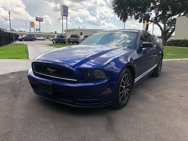 2013 Ford Mustang V6 Coupe 6-Speed Automatic